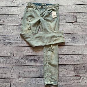 NWT Free People distressed skinny jeans